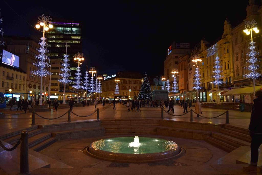Ban-Jelacic-Platz bei Nacht