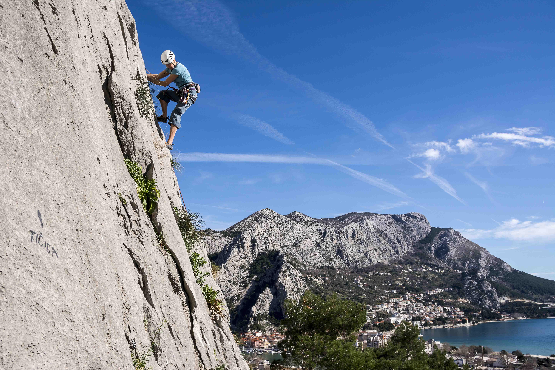 Kletterausrüstung Anfänger Set : Klettern in omis ab split ausflüge kroatien dalmatien