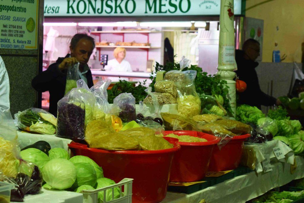 Markthalle auf dem Dolac in Zagreb