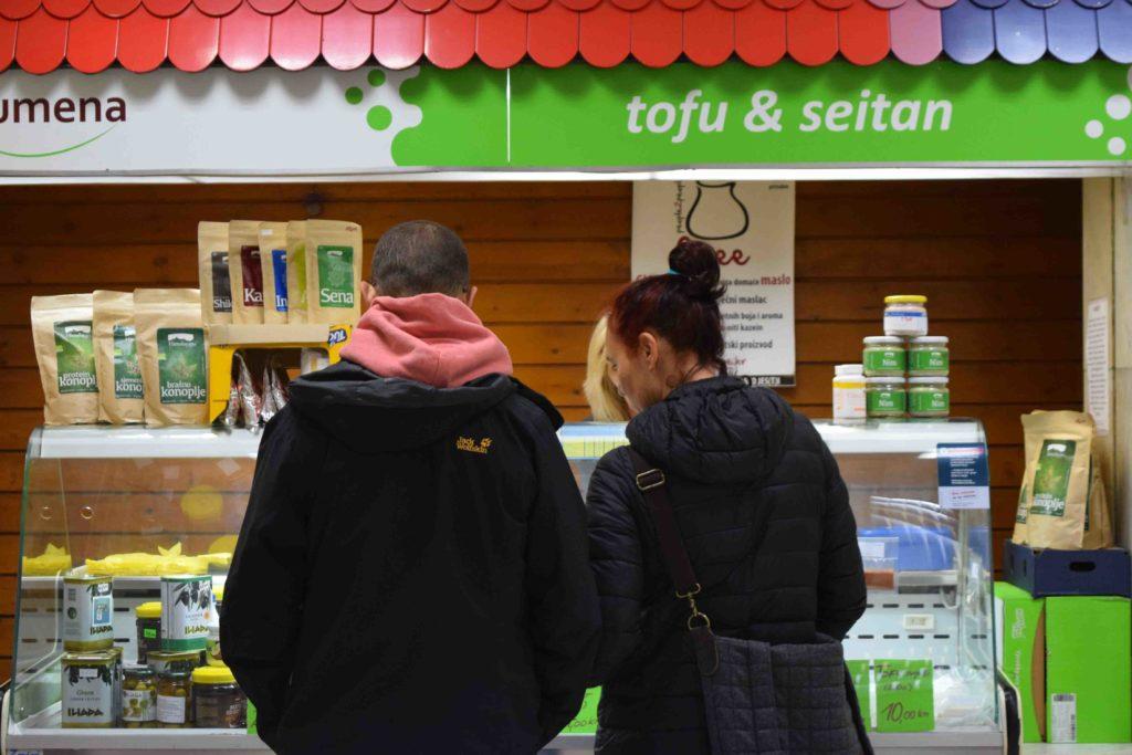 Tofu und Seitan auf dem Dolac in Zagreb