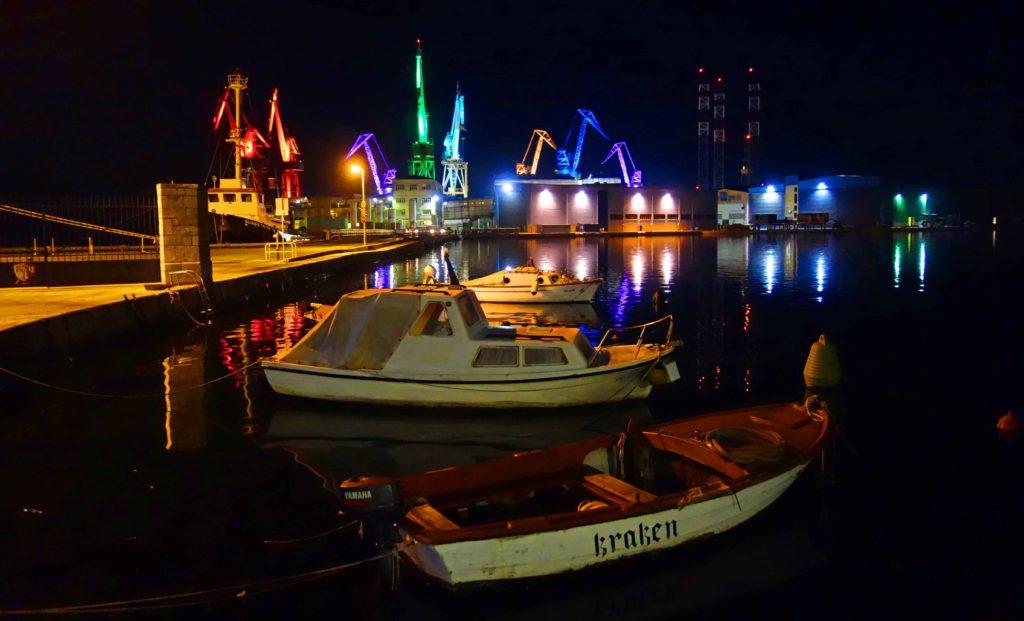 Pula, Insel Uljanik bei Nacht