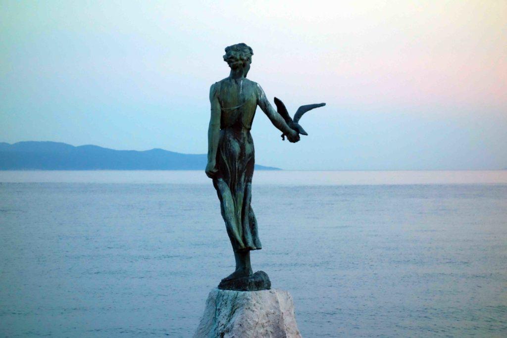Wahrzeichen von Opatija: die Meerjungfrau