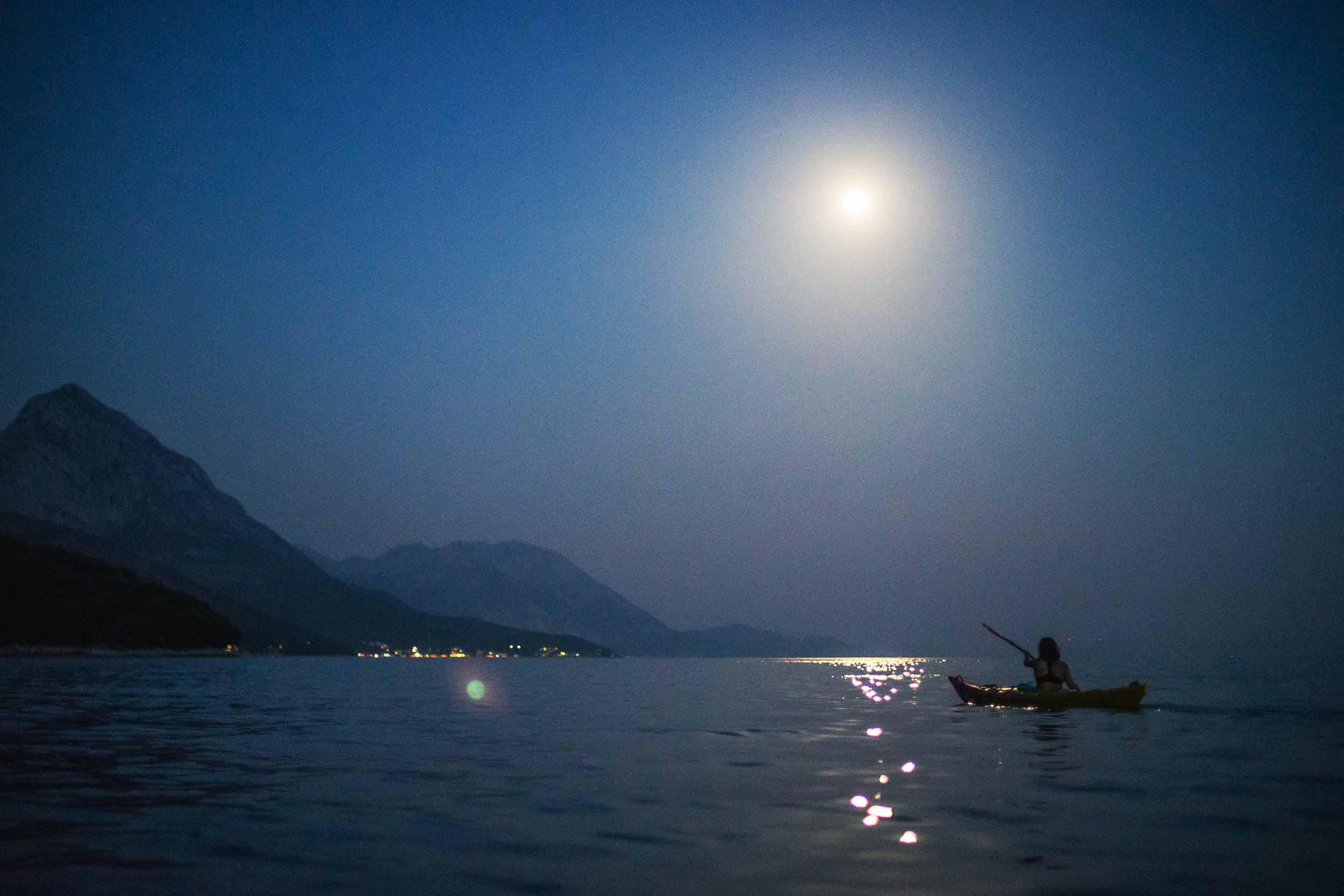 Night_kayaking03 Frais De Aquarium Design Pas Cher Conception