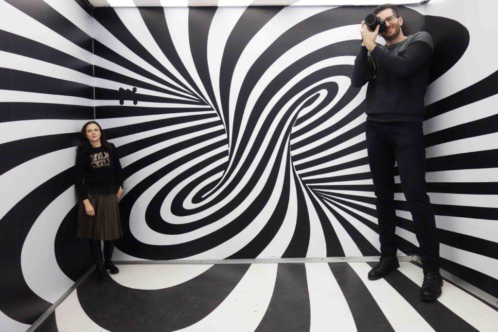 Ames-Raum im Museum der Illusionen Zagreb