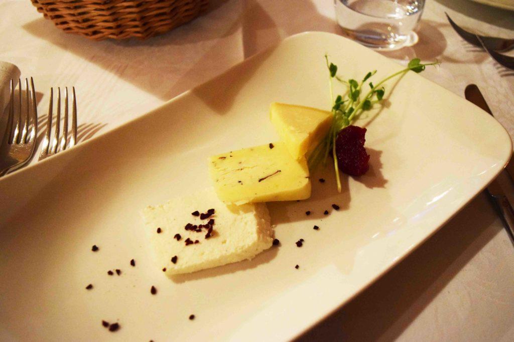 Käseplatte im Restaurant Stancija Kovacici Rukavac