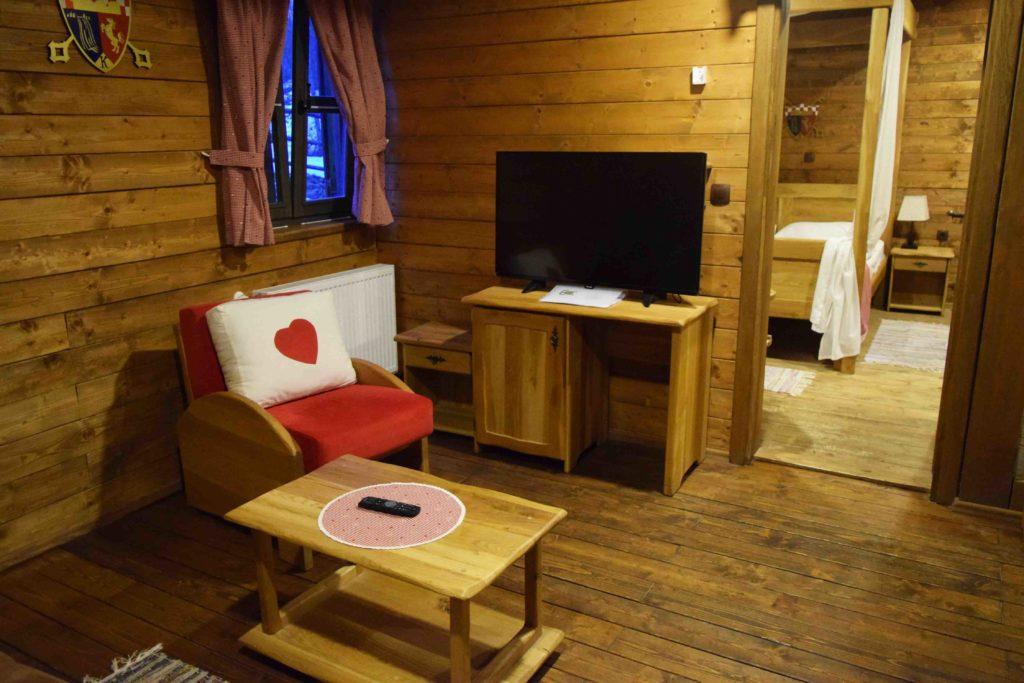 Holzhäuser in den Ethno Houses Plitvica Selo