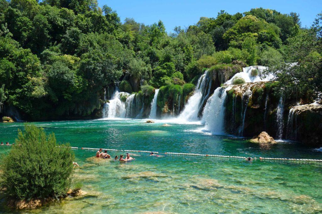 Schwimmen an den Krka Wasserfällen