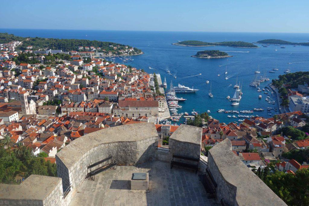 Aussicht auf Stadt Hvar von der Festung