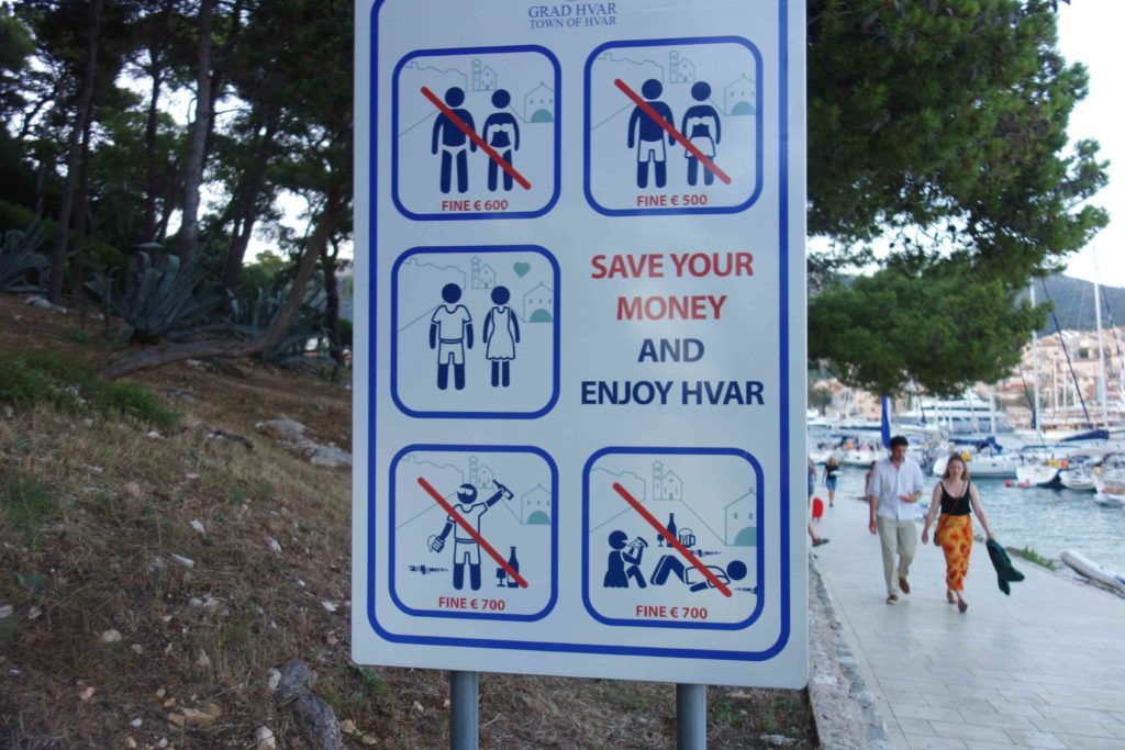 Warnhinweise Stadt Hvar Kroatien