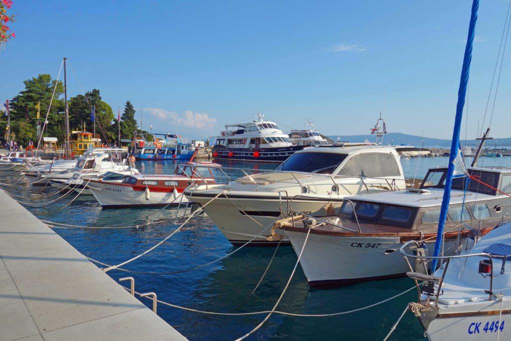 Hafenpromenade von Crikvenica, Kroatien