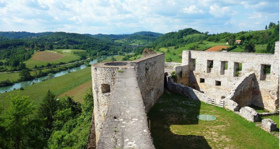 Alte Burg Novigrad na Dobri in Kroatien